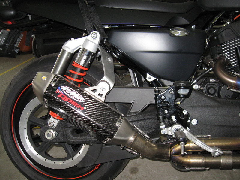 XR1200X-Pipes-003-L.jpg